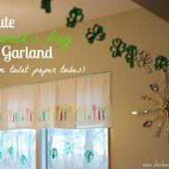 """Green"" Shamrock Garland"