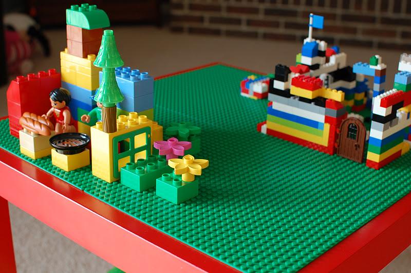 Diy lego table a bird and a bean diy lego table solutioingenieria Image collections